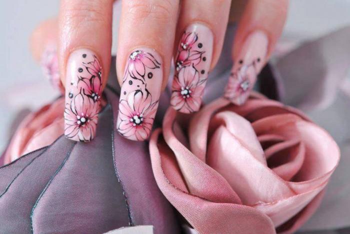 Рисунок цветы на ногтях