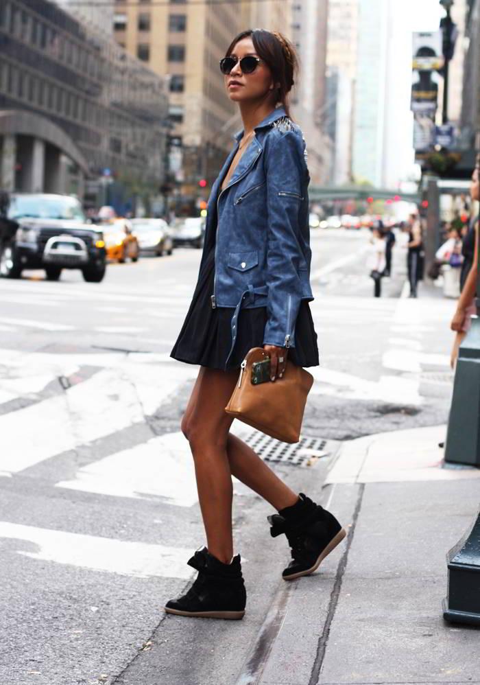 Как носить кроссовки с платьем