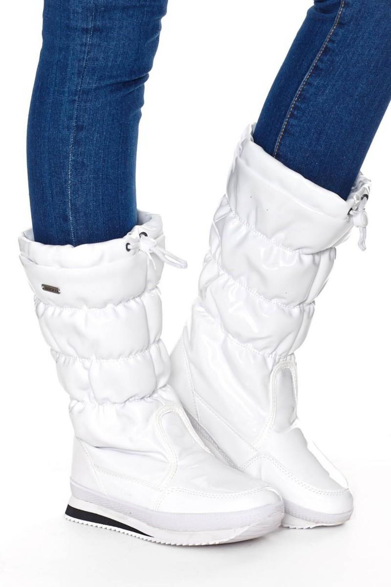 С чем носить белые сапоги фото