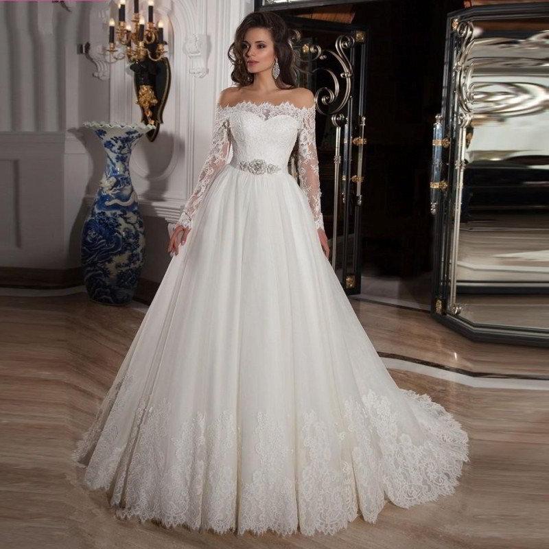 Цветы на свадебных платьях 2017