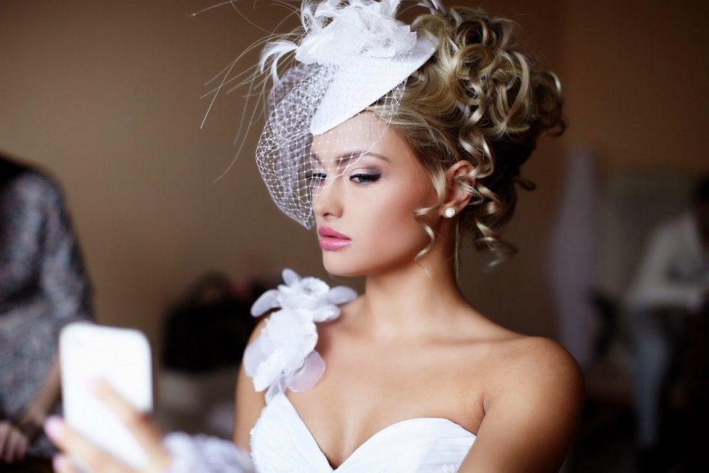 свадебные салоны платья прически макияж фото