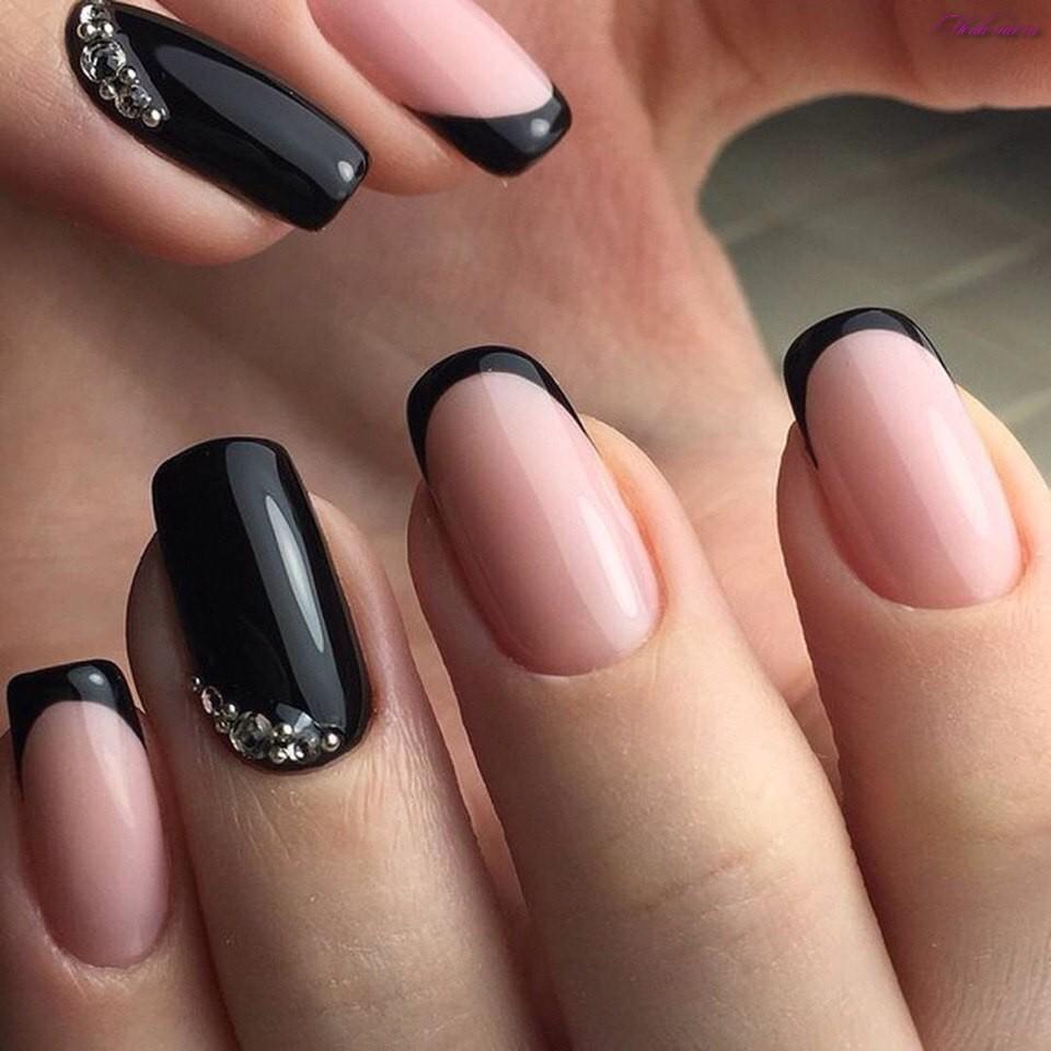 Черный французский на ногтях фото