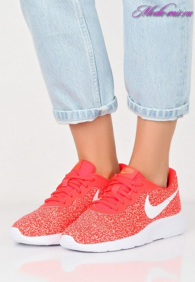Модные кроссовки 2018 женские